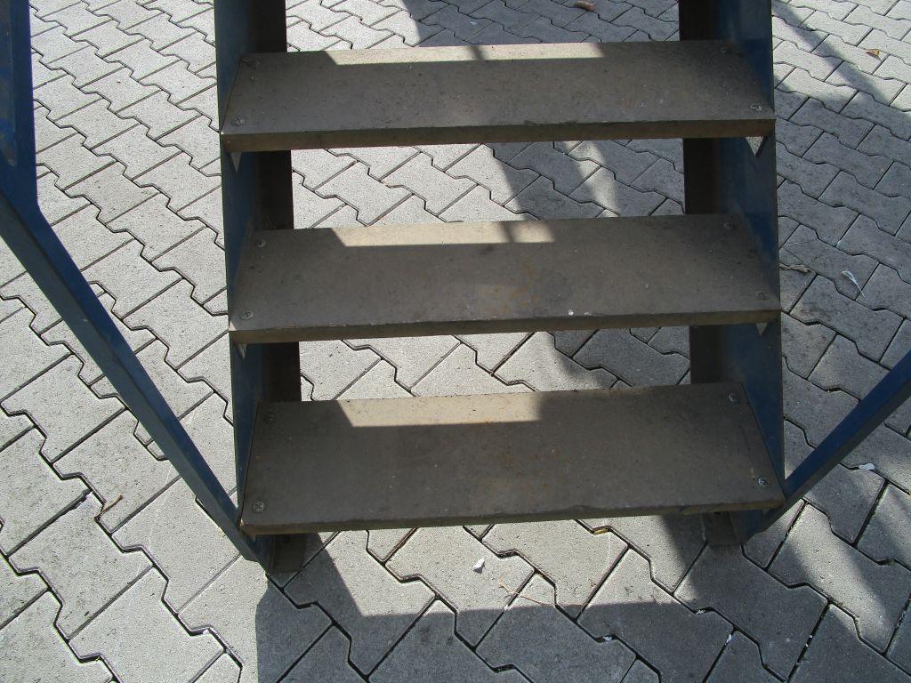stahltreppe treppe werkstatttreppe bautreppe gebraucht nr 5086 ebay. Black Bedroom Furniture Sets. Home Design Ideas