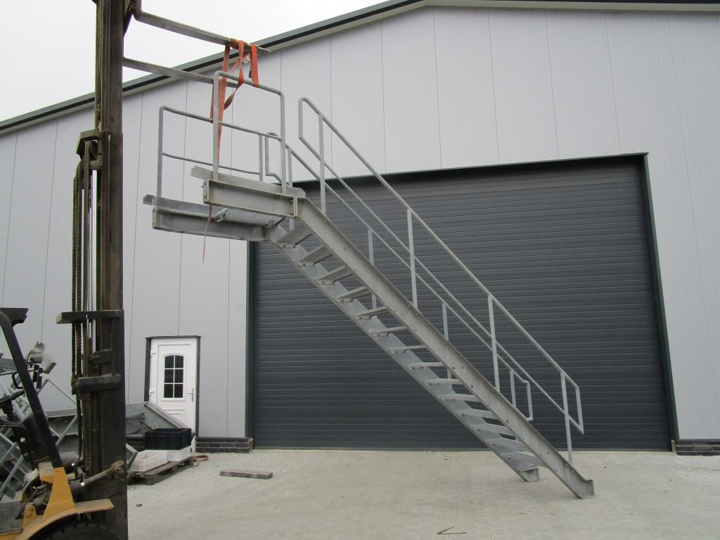 stahltreppe treppe aussentreppe gebraucht nr 5062 ebay. Black Bedroom Furniture Sets. Home Design Ideas